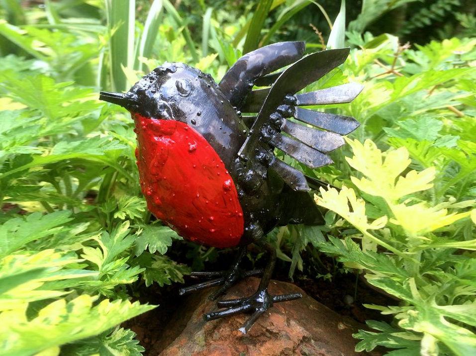 rspb wings up metal robin