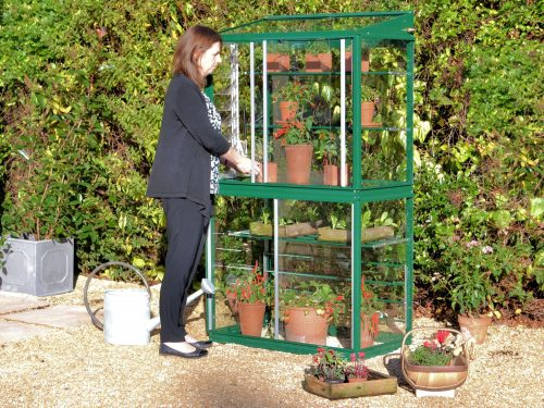 Hampton greenhouse with glass back